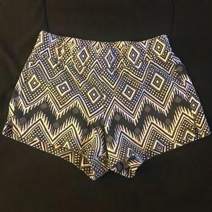NWOT!! Black and white geometric design shorts